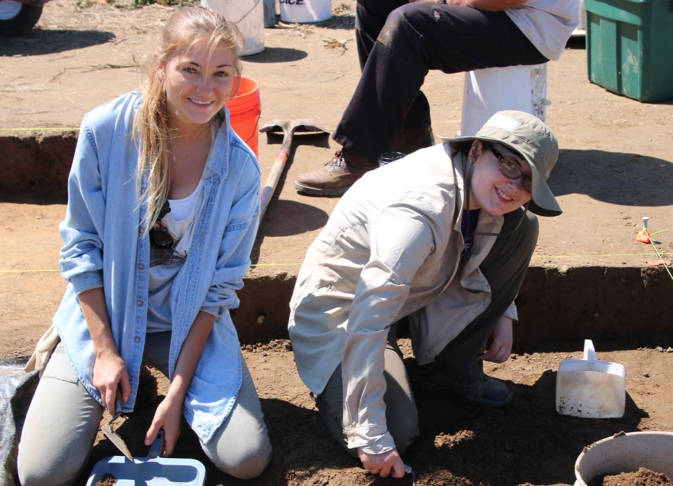 ces_archaeology_students
